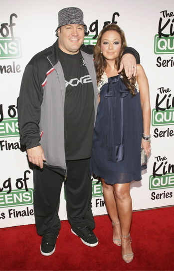 Leah Remini and Kevin James at the final season premiere of