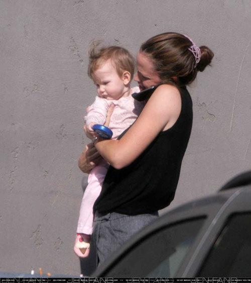 Violet Anne (Celebrity Baby) - FamousFix